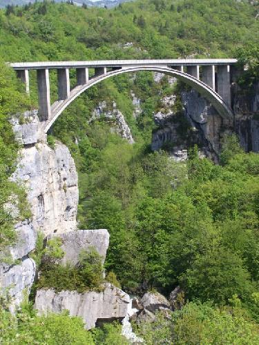 Le-pont-des-Pierres